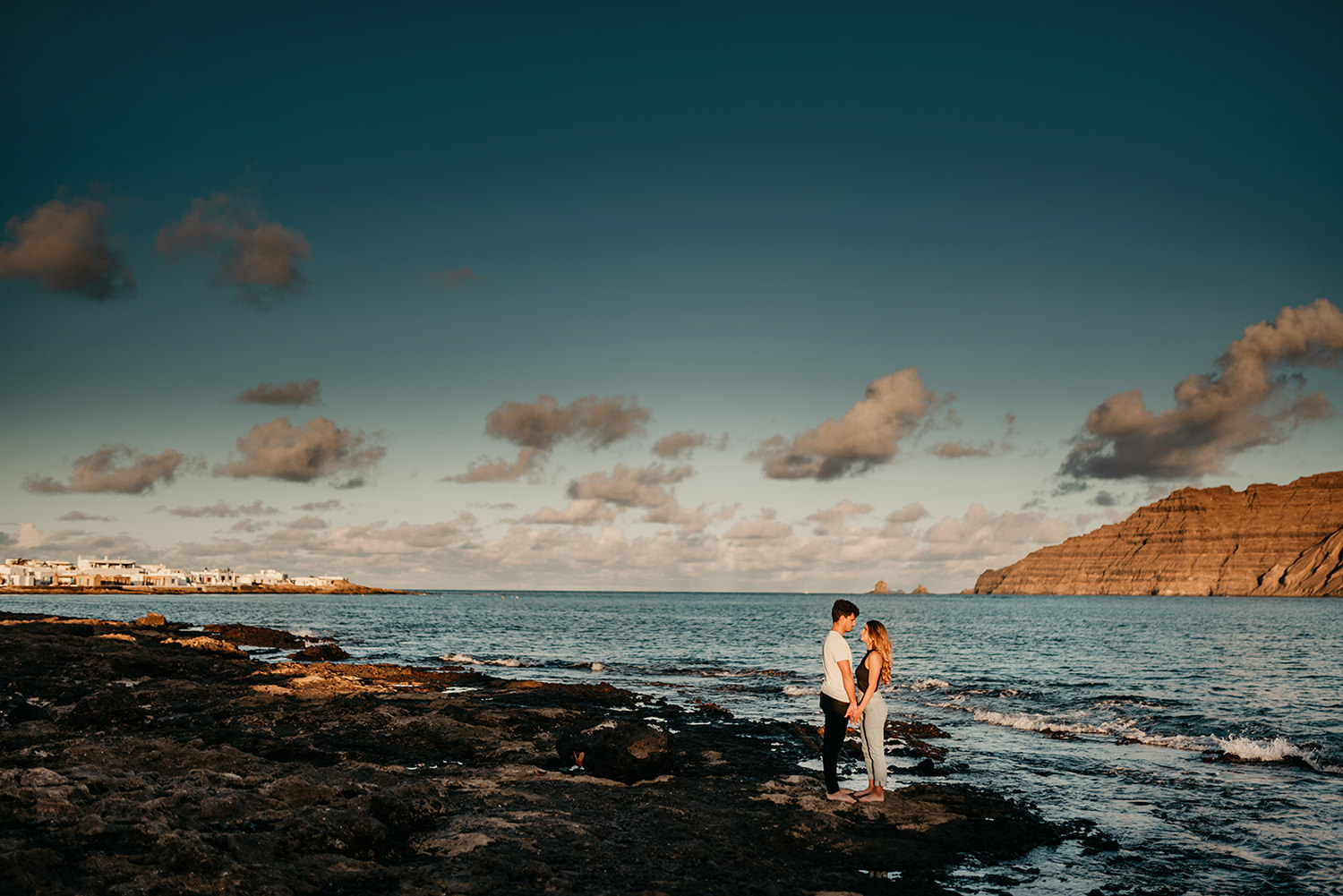 Elopement in La Graciosa, Caleta del Sebo