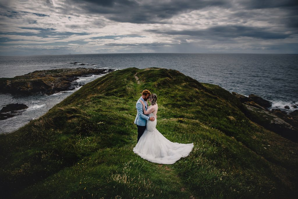 Couple's portraits at Niarbyl cliffs